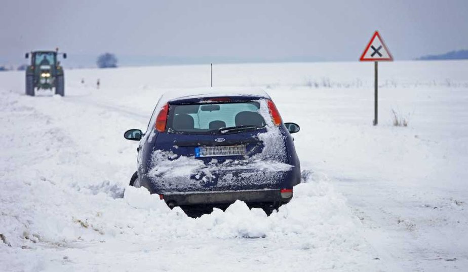 conseils pour rouler sur la neige avec votre voiture blog. Black Bedroom Furniture Sets. Home Design Ideas