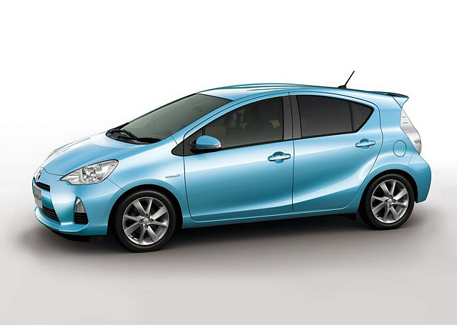toyota prius aqua la citadine hybride blog. Black Bedroom Furniture Sets. Home Design Ideas