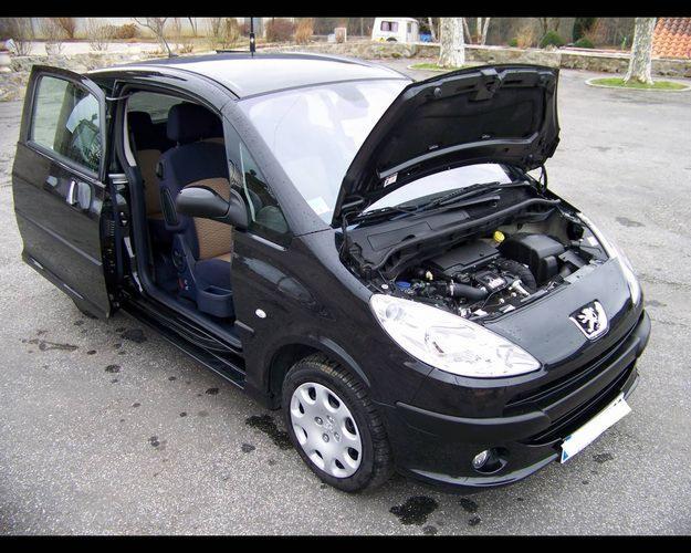Peugeot 1007 comportement agr able et s curit assur s - Probleme porte coulissante peugeot 1007 ...