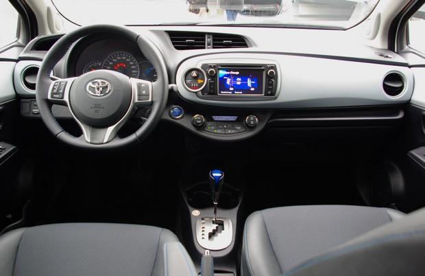Toyota D 233 Voile Sa Yaris Hybride Blog Kidioui Fr