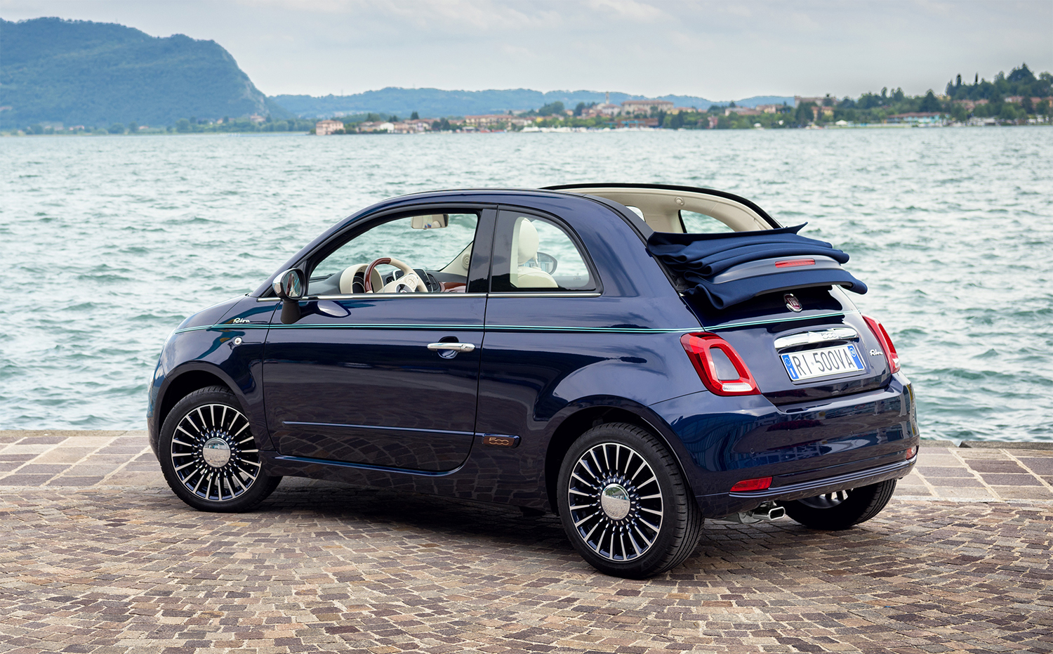 fiat 500 cabriolet with 5 Petits Cabriolets Pour Lete on Quelle Fiat 500 Restylee Choisir 105377 as well Fiat 600d Engine Parts furthermore 7209 No Wheel Covers Year I Like moreover Fiat500pickup furthermore respond.