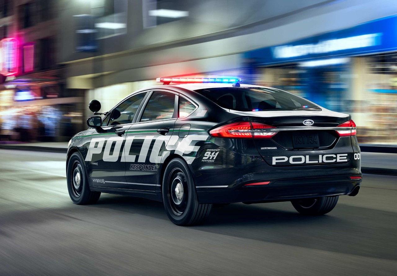 la police am ricaine passe la voiture hybride blog. Black Bedroom Furniture Sets. Home Design Ideas
