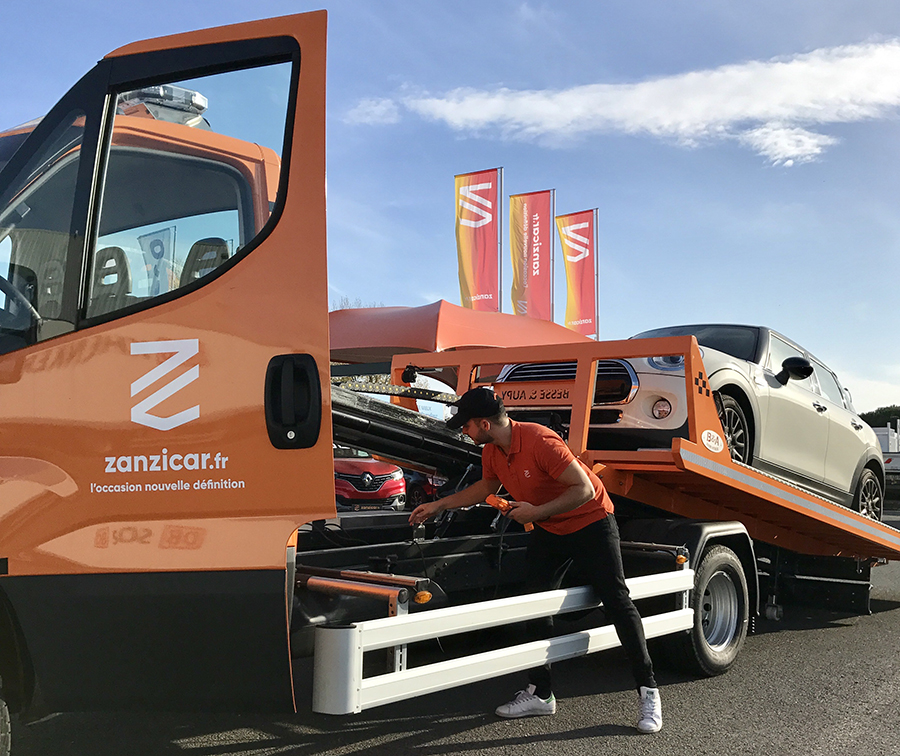 Le camion de livraison Zanzicar