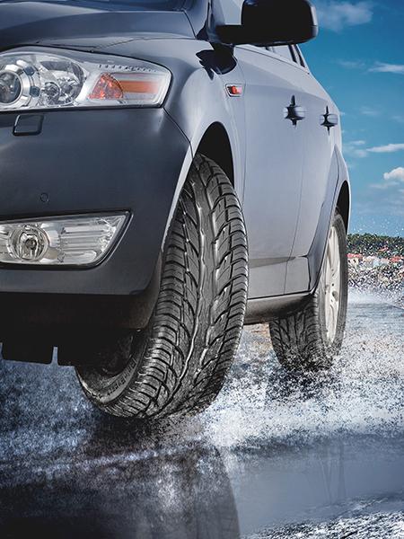 Plus la surface de contact entre le pneu et la route est réduite, moins on a de contrôle