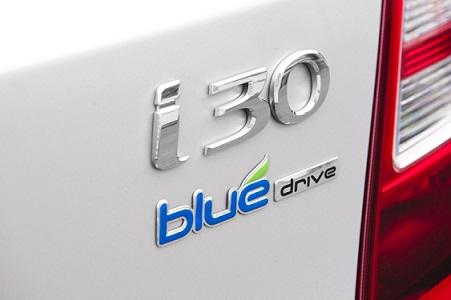 """Mention """"Blue Drive"""" sur l'arrière d'une Hyundai i30"""