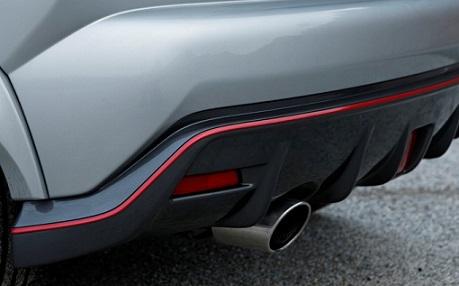 Diffuseur de taille très modérée sur l'arrière d'un Nissan Juke Nismo
