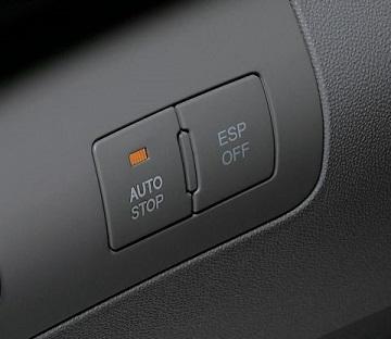 Indicateur sur la planche de bord du moteur coupé par l'ISG