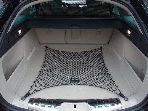 La malle très profonde d'une Peugeot 508 SW